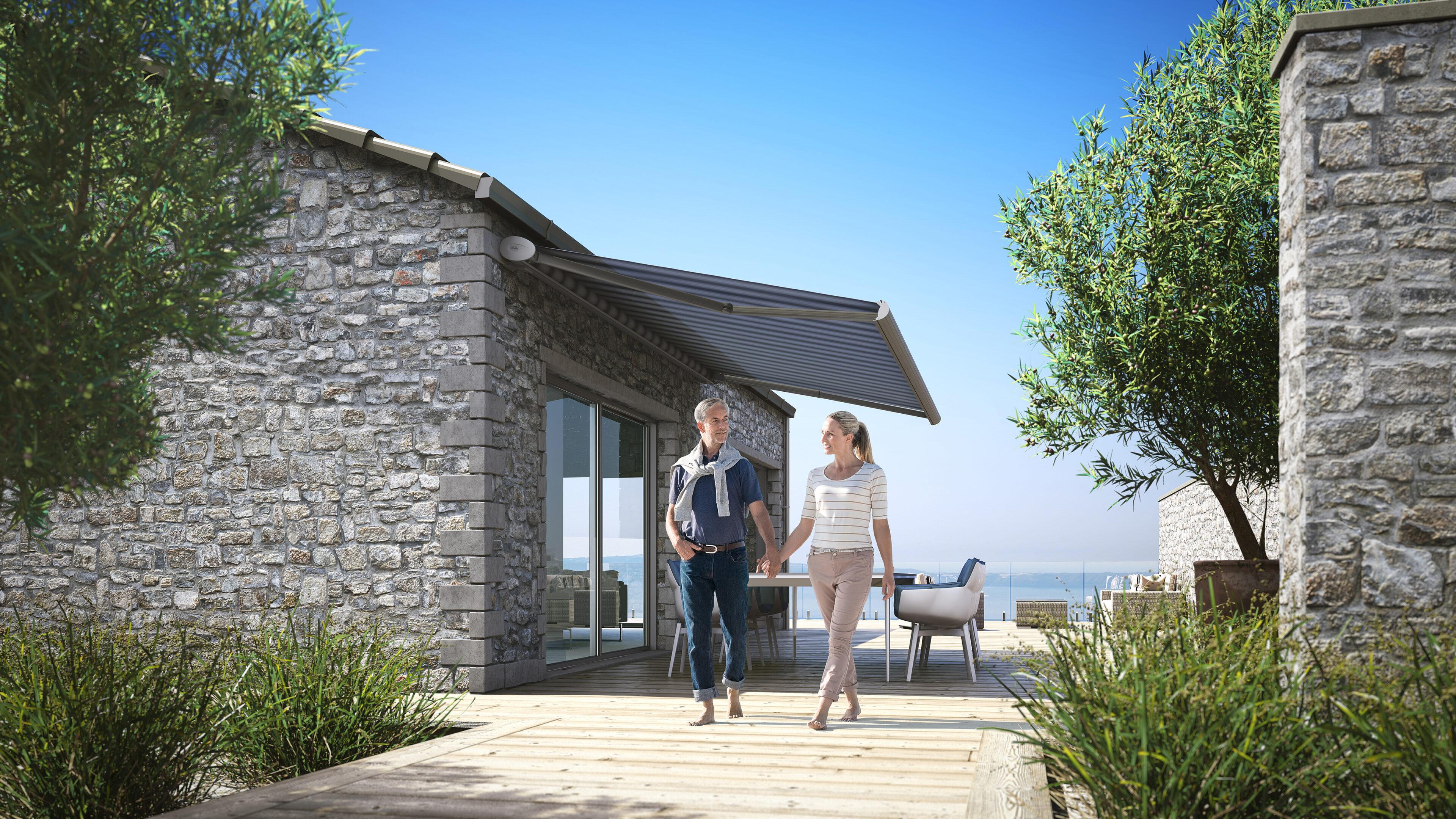 kadeco_markise_360_terrasse_blau_web-scaled Outdoor und Insektenschutz